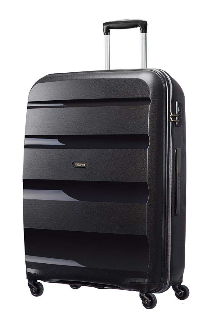 Cette valise rigide est très pratique