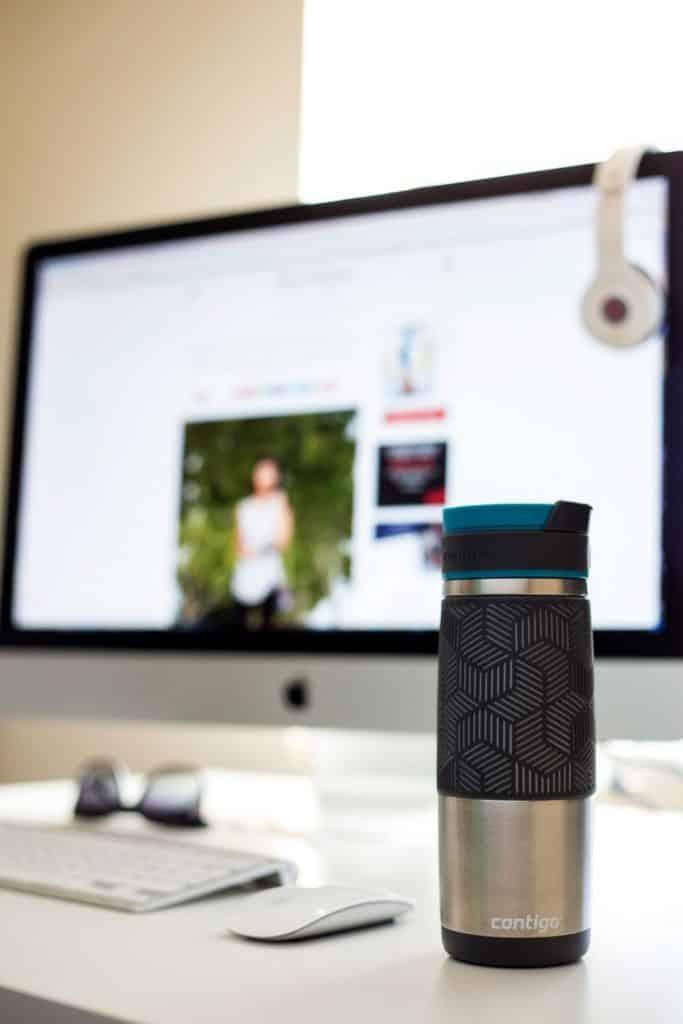 Notre comparatif vous aide à trouver le meilleur mug isotherme du moment