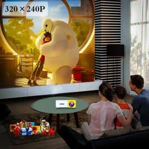 L'Artlii mini projecteur est digne de ces appareils utilisés dans les salles de cinéma