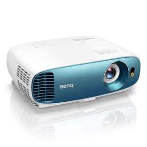 Le BenQT800 offre une luminosité plus correcte pouvant atteindre les 3000 Lumens