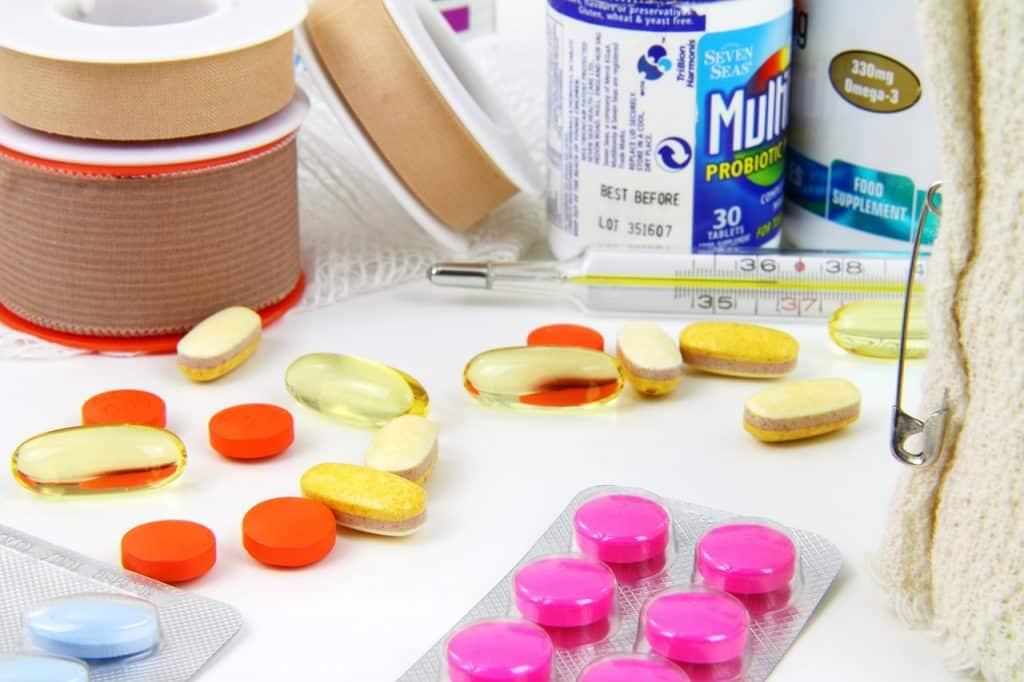 armoire à pharmacie transportable